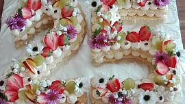 Naučte se number cake! Dort ve tvaru písmene nebo čísla potěší malé i velké
