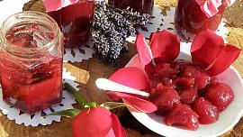 Výlet do světa omamných vůní: Z růže uděláte marmeládu, růžová voda zase ovoní cukroví