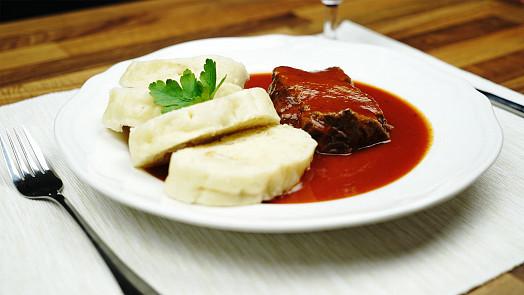 Rajská omáčka, klasika české kuchyně! Vymysleli ji Italové, z naší úpravy by ale zřejmě byli na větvi