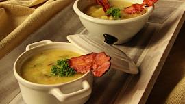 Vaříme klasiku z květáku: Křupavé placičky, výborný mozeček a polévka jako od babičky