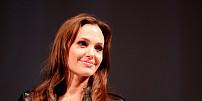 Jídelníčky slavných: Angelina Jolie krmí děti vařenými brouky a pavouky