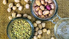 Jak správně uvařit luštěniny, aby nenadýmaly? Pomůžou (nejen) bylinky!