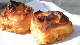 Balkánský burek: Víte, jak doma připravit oblíbenou křupavou specialitu? Chce to správné těsto!