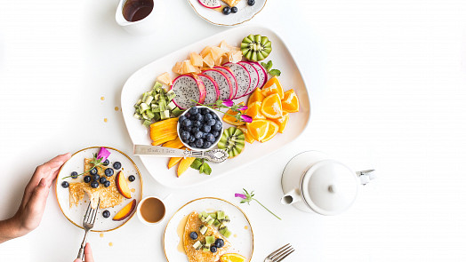 Exotické ovoce od A do Z, díl II.: Jak chutná pithaya a čím jsou zvláštní baby banány?