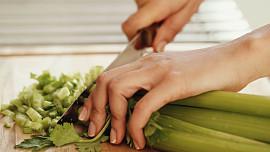 Odšťavněte si řapíkatý celer: Funguje jako afrodiziakum a pomůže i při hubnutí