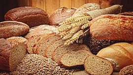 Víte, proč se chlebu říká Boží dar? Nejběžnější potravina prý umí chránit i před uhranutím