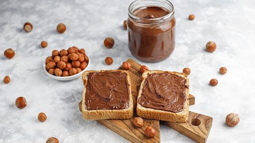 Dokonalá domácí nutella: Připravíte si klasiku z lískových oříšků nebo verzi s bílou čokoládou?