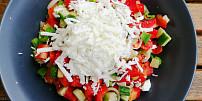 Máme rádi šopák! Jak se mix okurky, rajčat a sýru feta stal bulharským národním pokrmem?