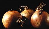 Obyčejná cibule jako svatební dar? Ve středověku to byla obrovská pocta