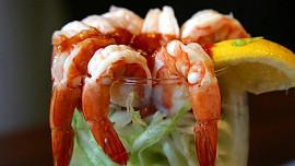 Krevetový koktejl býval nejoblíbenějším jídlem v Británii, dnes se podává spíše jako vtip