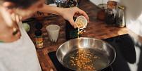 Jak na párky, které neprasknou? Prověřené triky hospodyněk pro snadnější vaření
