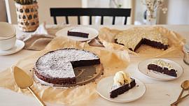 Pro romantické chvíle: Fantastický čokoládový dort vás ohromí svou bohatou chutí!