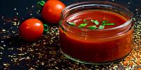 Rajčata ve skle: Jak udělat domácí kečup, omáčku sugo nebo sušená rajská jablíčka?