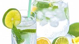 Jak dlouho člověk vydrží bez vody? Dehydratace může vést k selhání ledvin i smrti