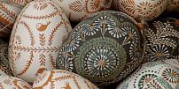 Odkud se vzalo zdobení vajec a podávání jehněčího? Poznejte historii velikonočních pokrmů