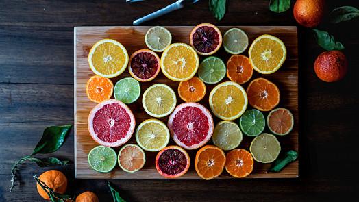 Ovoce podle znamení: Váhy milují mango, Panny si nejvíc pochutnají na hruškách