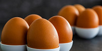 Blíží se velikonoční vaječná smršť! Proč vajíčka nikdy neomývat a v jaké teplotě je skladovat?