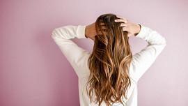 10 potravin pro rychleji rostoucí a zdravé vlasy