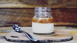 Jogurty máme už od středověku. Který druh mohou i ti, kdo nesnáší laktózu?