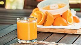 Mýty vs. fakta: Je pomerančový džus opravdu tak zdravý, jak si myslíme?
