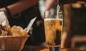 Jak využít pivo při vaření? Hodí se na křupavé těstíčko, ale i do moučníků