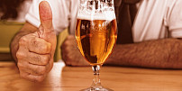 """Pivo je lék a Češi ho mají nejlepší na světě. Jak se """"tekuté zlato"""" vlastně vaří?"""