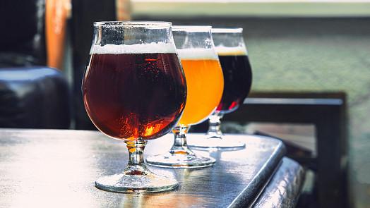 Chybí vám hospody? Uvařte si pivo doma! Tipy a rady pro začínající sládky