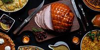 Štědrovečerní menu ve světě: Japonci chodí do KFC, v Británii jedí pudink z loje a v Grónsku velrybí bůček