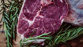 Maso a zdravý životní styl: Jaké druhy si dopřát a kterým se naopak vyhnout?