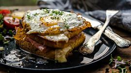 Znáte croque monsieur? O oblíbeném francouzském sendviči psal již spisovatel Marcel Proust