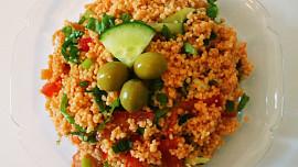 Orientální turecký salát kisir voní po granátových jablkách a mátě. Zkuste jej!