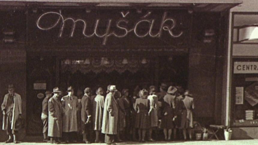 Zdroj: Foto Trousil, 1940, použito se svolením cukrárny Myšák