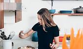 Čerstvá mrkev zabrání přepalování oleje: 8 babských rad pro perfektní smažení