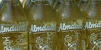 Romantický příběh rakouské limonády Almdudler: Původně byl tento bylinkový nápoj svatebním darem!
