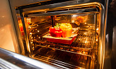 Pozor, tato jídla do mikrovlnky nepatří! Špenát nebo uzeniny v ní nikdy neohřívejte
