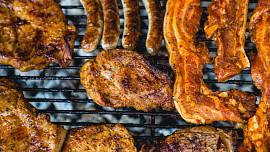 Grilování levou zadní: Jak správně připravovat různé druhy masa?