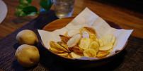 Jak vznikly chipsy? Pomsta naštvaného kuchaře přerostla v celosvětový hit