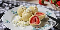Knedlíky plné ovoce: Dáte si bramborové se švestkami, nebo tvarohové smeruňkami?