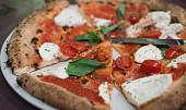 Historie neapolské pizzy: Oblíbená Margherita dostala název podle mlsné šlechtičny