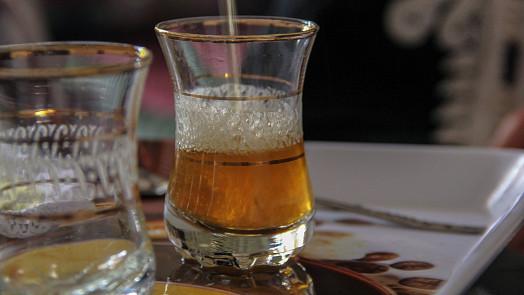 Marocký čaj tuareg vás osvěží a ještě dokonale povzbudí. Dejte si jej místo kávy!
