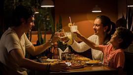 Rodinná večeře spojuje. Proč bychom se měli každý večer sejít u jednoho stolu?