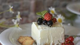 Dokonalý mražený dezert? Krémové italské semifreddo připravíte snadno i doma!
