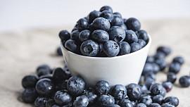 Pramen mládí přímo ve vaší kuchyni: 7 potravin, které zpomalí stárnutí