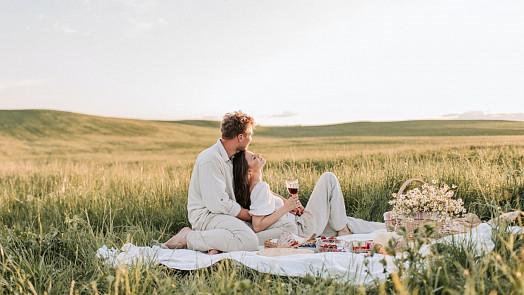 Co s sebou vzít na piknik? + Recept na nejlepší hummus