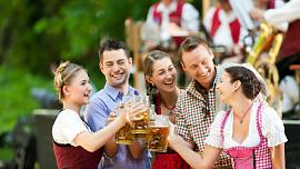 Pivní slavnosti, kam se podíváš - víkend bude patřit pivařům i milovníkům guláše