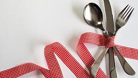 Vidlička jako ďáblův nástroj a nůž místo párátka: Moderní příbor používáme teprve dvě století