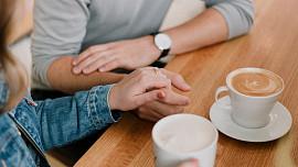 Čeká vás rande nebo důležitá schůzka? Těmto potravinám se rozhodně vyhněte