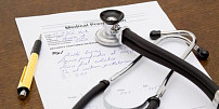 Projevy a příčiny roztroušené sklerózy