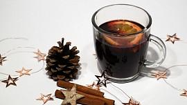 Odkud je vánoční punč? Název tradičního pití vzešel z počtu ingrediencí pro jeho přípravu