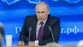 Jídelníčky světových lídrů: Vladimir Putin snídá syrová vejce. Vodku pije jenom na trávení